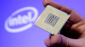 SAN FRANCISCO, CA - JUNE 26: In this handout photo provided by Intel, Tom Kilroy, vice president of Intel?s Digital Enterprise Group, displays Intel's new Dual-Core Xeon Processor 5100 on Jun