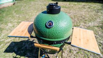 Kamado grill outside