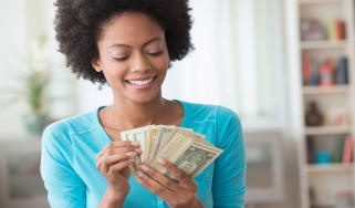 picture of woman counting money