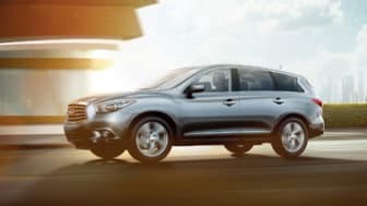 The 2014 Infiniti QX60 Hybrid features Infiniti Direct Response Hybrid® one-motor/two-clutch system adapted to front-wheel drive/all-wheel drive.