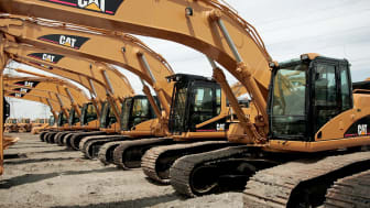 ELMHURST, ILLINOIS - APRIL 24:Caterpillar earth moving equipment is displayed at Patten Industries on April 24, 2006 in Elmhurst, Illinois. Heavy equipment maker Caterpillar reported first-qu