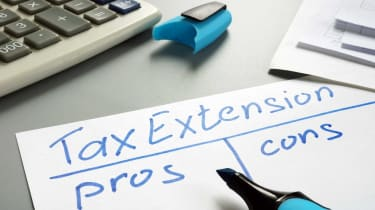 picture of a pro and con list for a tax extension