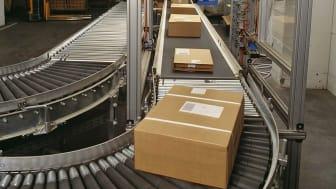 Conveyor belt for postal boxes