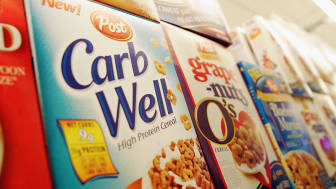 NEW YORK - DECEMBER 6:A low-carb box of Carb Well cereal is seen on a supermarket shelf December 6, 2004 in New York City. According to The New York Times, the percentage of Americans who fol