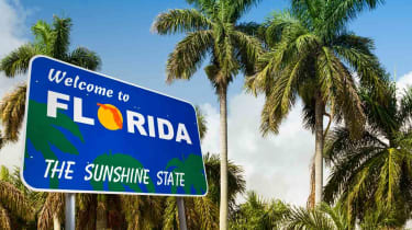 """A """"Welcome to Florida"""" highway sign"""