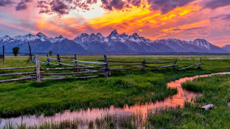 picture of Wyoming mountain range