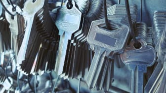 A big collection of house keys