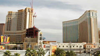 LAS VEGAS - DECEMBER 12:A general view of The Palazzo (L) and The Venetian December 12, 2008 in Las Vegas, Nevada. Las Vegas Sands Corp., owner of the two Las Vegas properties, is expected to