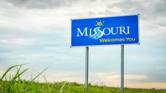 picture of welcome to Missouri road sign
