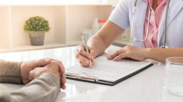 doctor notes history of treatment patientand consulting