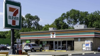 A 7-Eleven location in Madison Heights, Michigan. It is the world's largest chain of convenience stores. Headquartered in Japan, there are currently a total of 39,000 locations worldwide.