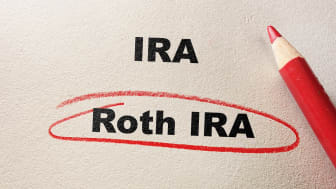 Roth IRA circled in red pencil, with IRA text
