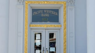 photo of Pacific Western Bank branch entrance