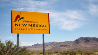 picture of welcome to New Mexico road sign