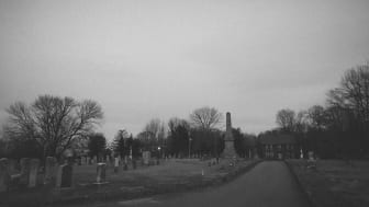 Creepy graveyard and house in Connecticut