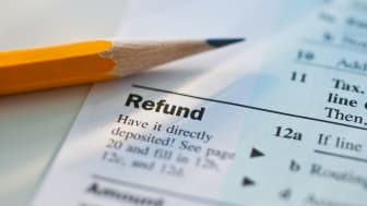 picture of a tax form focused on the refund line