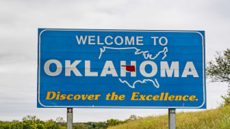 picture of welcome to Oklahoma road sign
