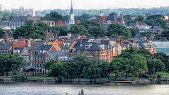picture of waterfront townhomes in Virginia