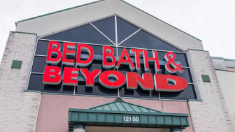 Outside the front of a Bed, Bath and Beyond store