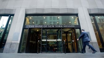 NEW YORK - JUNE 09:Bank of New York Mellon Corp. headquarters are seen June 9, 2009 in New York City. Bank of New York Mellon Corp. is one of ten lenders that won U.S. Treasury approval to pa