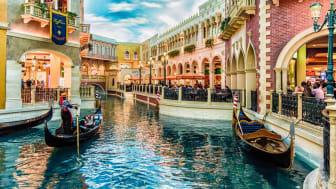 LAS VEGAS - 31- MAY 2017 - Unkown people walk in The Venetians Casino and Resort in Las Vegas, Nevada