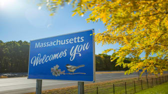 picture of welcome to Massachusetts road sign