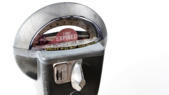picture of parking meter with time expired