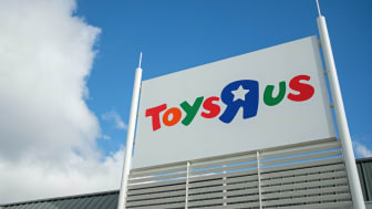 LUTON, ENGLAND - SEPTEMBER 19:A general view of the exterior of a branch of the toy staore Toys R Us on September 19, 2017 in Luton, England.The company has struggled to compete against onlin