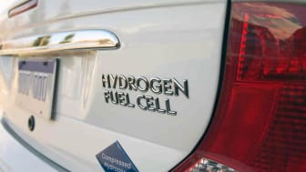 vehicle that uses a hydrogen fuel cell