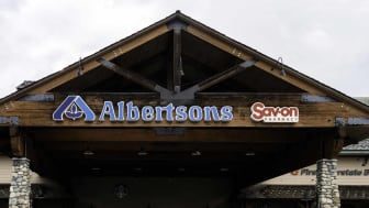 An Albertsons storefront