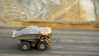 large dumptruck in utah copper mine