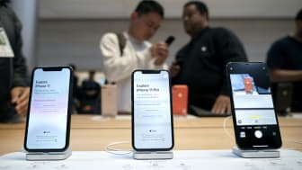 NEW YORK, NY - SEPTEMBER 20: iPhone 11 and iPhone 11 Pro models are displayed as customers shop at Apple's flagship 5th Avenue store on September 20, 2019 in New York City.Apple's new iPhone