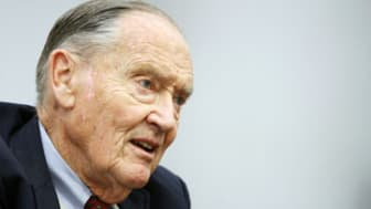 "FILE- In this Tuesday, May 20, 2008, file photo, John Bogle, founder of The Vanguard Group, talks during an interview with The Associated Press in New York. John C. ""Jack"" Bogle is 83 and out"