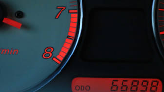 picture of car odometer