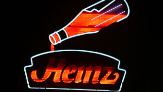 PITTSBURGH, PA - AUGUST 23:The historic neon Heinz factory sign is seen at night August 23, 2004 in Pittsburgh, Pennsylvania. H.J. Heinz Co reported its first-quarter earnings fell 9 percent