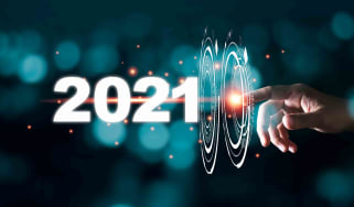 Finger pointing to the number 2021