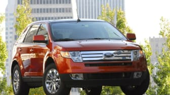 SAN FRANCISCO, CA., October 18, 2006 - The new Ford Edge driving on the streets of San Francisco. Production of the new crossover from Ford Motor Company officially began on October 16, 2006