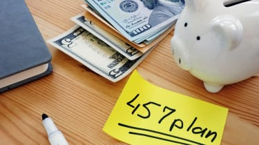 A piggy bank next to a note with 457 plan written on it