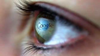 LONDON - FEBRUARY 03:The Google logo is reflected in the eye of a girl surfing the internet on February 3, 2008 in London, England.(Photo by Chris Jackson/Getty Images)