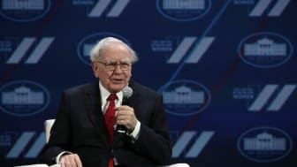 WASHINGTON, DC - JUNE 14:Warren Buffett participates in a discussion during the White House Summit on the United State Of Women June 14, 2016 in Washington, DC. The White House hosts the firs