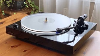 Photo of Fluance turntable