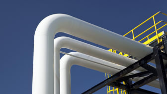 Petroleum piping in an oil refinery